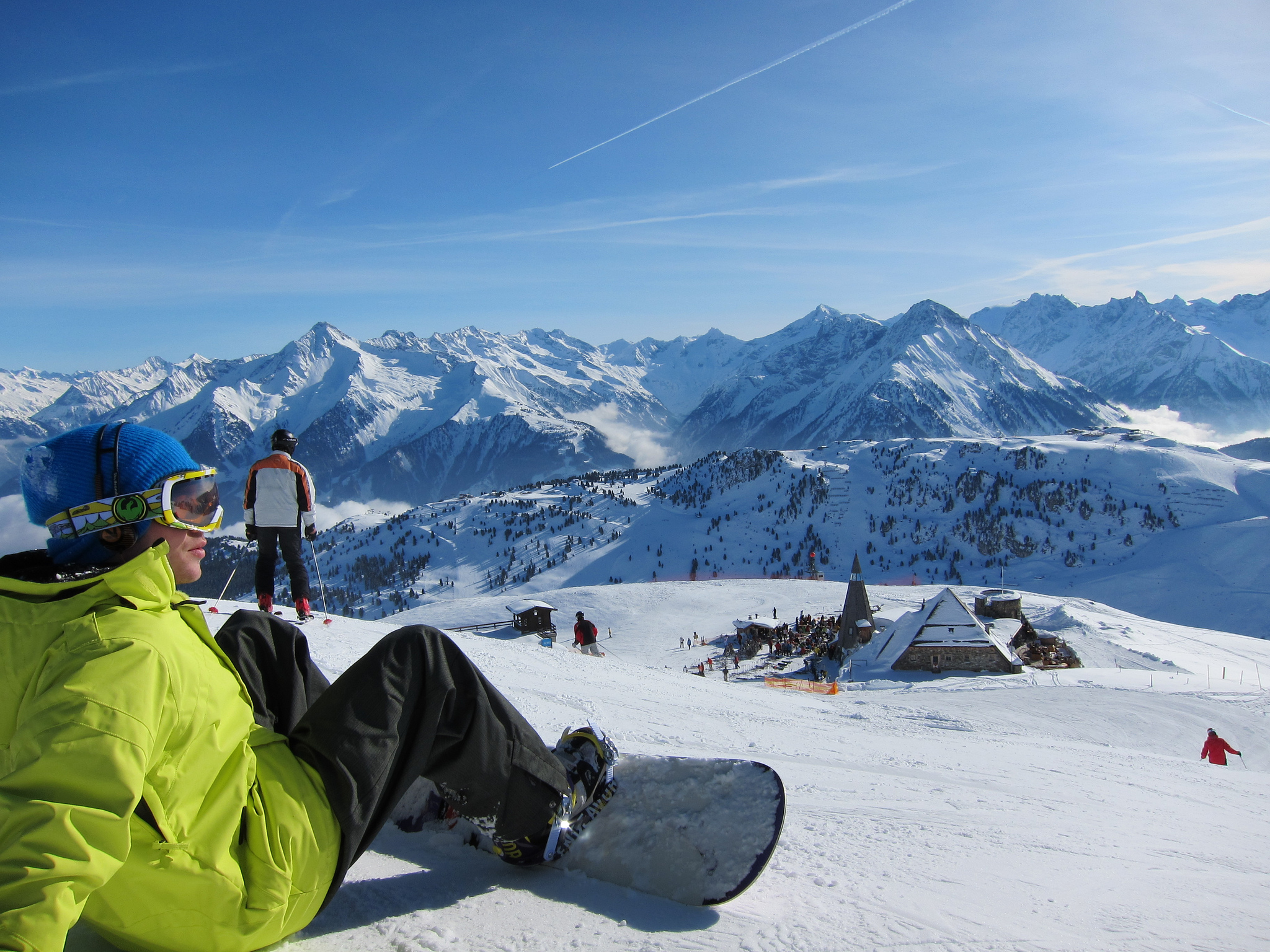 Ready to go snowboarding in Austria - Image: https://www.flickr.com/photos/howard_lloyd/